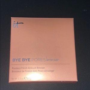 Bye bye pores bronzer by it cosmetics